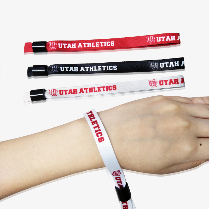 cloth wristbands-1